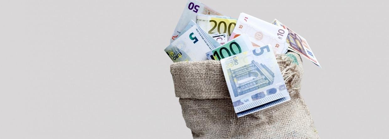 Jute zak vol met briefgeld